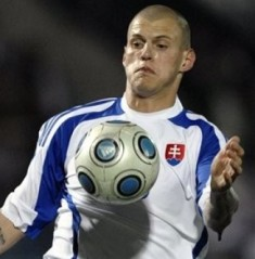Liverpool ace Skrtel's gal fancies Man U's Vidic