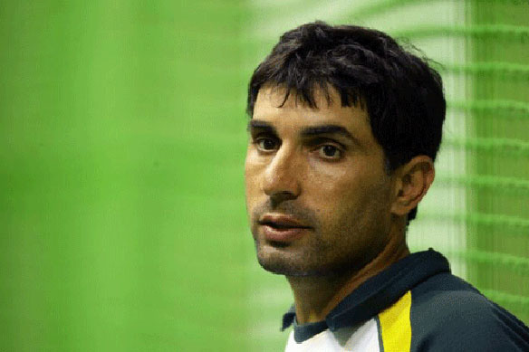 Misbah concerned about Pak batting line-up ahead of ODI against England
