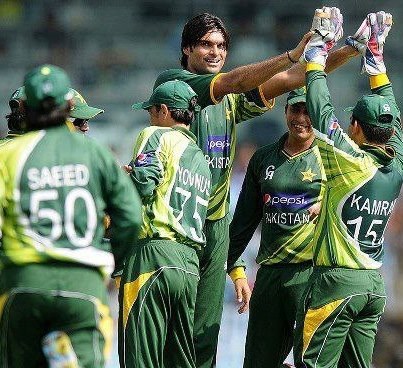 Pakistani fans jubilant as team lifts trophy in India