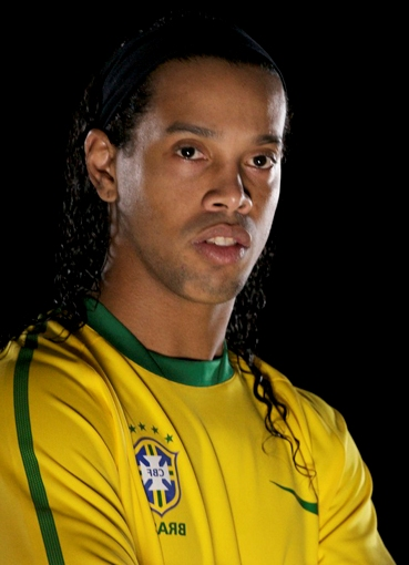 Ronaldinho named in Brazil championship team of the year