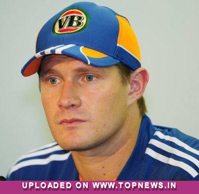 Watson urges Clarke and Arthur to balance his workload