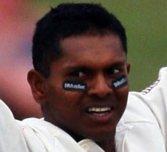 Chanderpaul in 10k club, says will help young batsmen