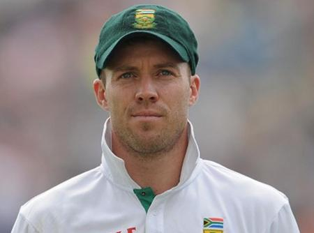 De Villiers to continue as Proteas captain on return