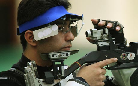 Defending champion Bindra crashes out of 10m air rifle event at London Olympics