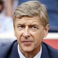 Arsenal close to signing Vieira again