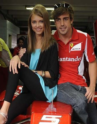 Fernando Alonso holidays with bikini-clad model girlfriend in Spain