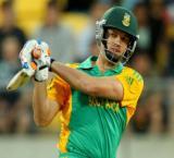 Albie comes in rescue of under-fire Morne, De Villiers