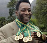 Football legend Pele to auction off medals, trophies and 1000-goal crown