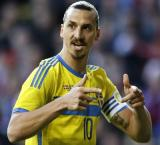Ibrahimovic fires as PSG knock Chelsea out of Champions League