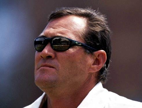 Pat Symcox backs De Villiers' decision to quit captaincy