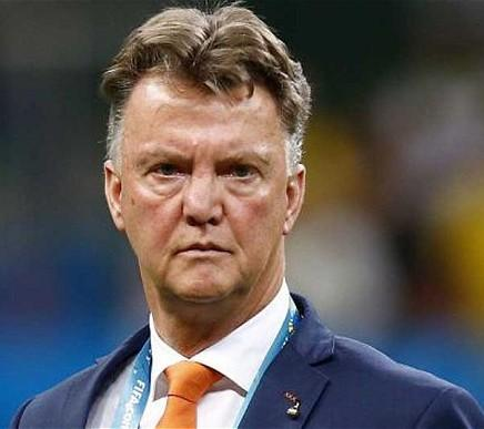Van Gaal blasts relentless Man Utd exit rumours