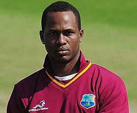 IPL 10: Samuels replaces injured de Kock in Daredevils squad