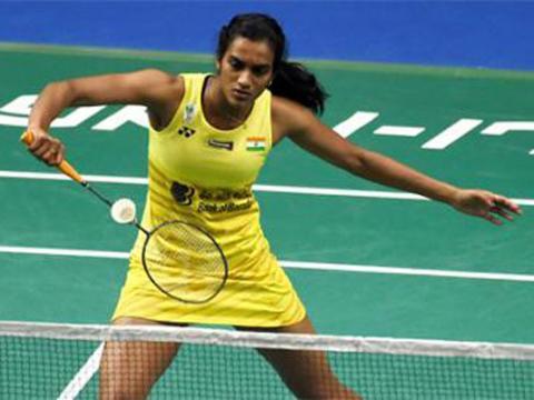 Saina bows out, Sindhu advances in Asian badminton C'ship