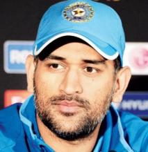 `Livid` Dhoni shuts down journalist with epic response