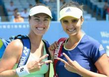 Sania-Hingis record 38th straight win in St. Petersburg