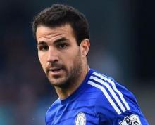 Fabregas' decisive goal fires Chelsea to another PL win