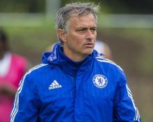 Manchester Utd considering Mourinho's contract extension