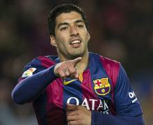 Luis Suarez renews Barca contract until 2021