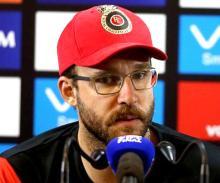 RCB need to more proactive: Vettori