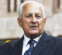 Former Pak cricketer Sarfraz Nawaz serves legal notice on Shaharyar Khan