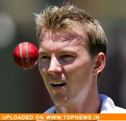 Brett Lee prefers risking burn out to relaxing as the 12th man