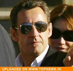 Sarkozy couple reach new heights, as stars of comic books