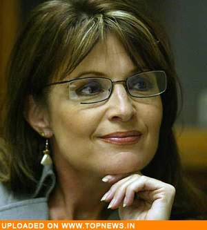 Palin meets four military moms at Philadelphia eatery