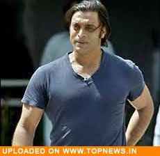Surrey keen to sign Pak pacer Shoaib Akhtar for two matches