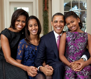 Obamas welcome 2013's 'official' Christmas tree at White House