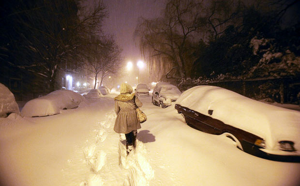 50,000 still powerless as blizzard-hit US digs out