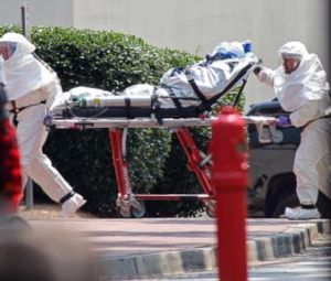US to revise Ebola protocol, Pentagon readies team