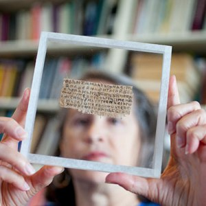 Gospel of Jesus' Wife' papyrus fragment 'not a modern forgery'