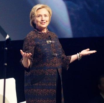 Hillary Clinton beginning to shed low profile before likely 2016 bid