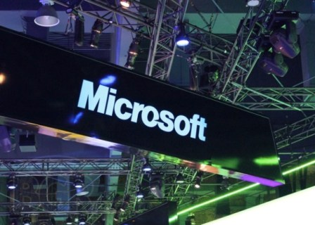 Microsoft's AI bot resurfaces on Twitter, goes haywire again