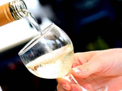 Moderate drinking after heart attack lowers death risk