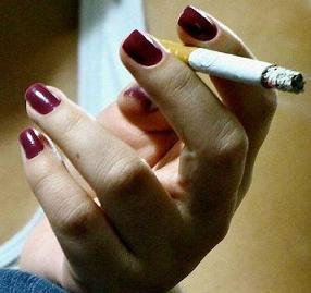 Postmenopausal smokers 6 times likelier to experience tooth loss