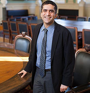 Rakesh Khurana named Harvard College dean