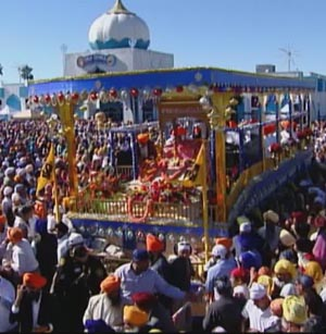 Sikhs take out parade in Californian city of Yuba