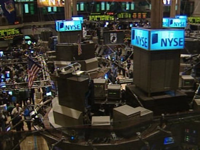 US stocks tumble as Koreas exchange fire
