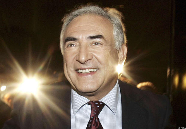 Strauss-Kahn's accuser's offered to halt criminal case if civil settlement is reached