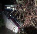 14 injured as commuter train derails in California